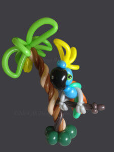 balloon artist - Centerpiece-Parrot Palm Tree