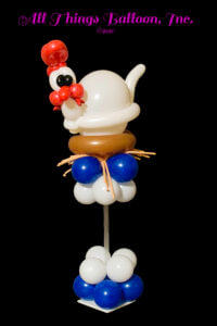 balloon decorations - balloon centerpiece - balloon chicken on pedestal