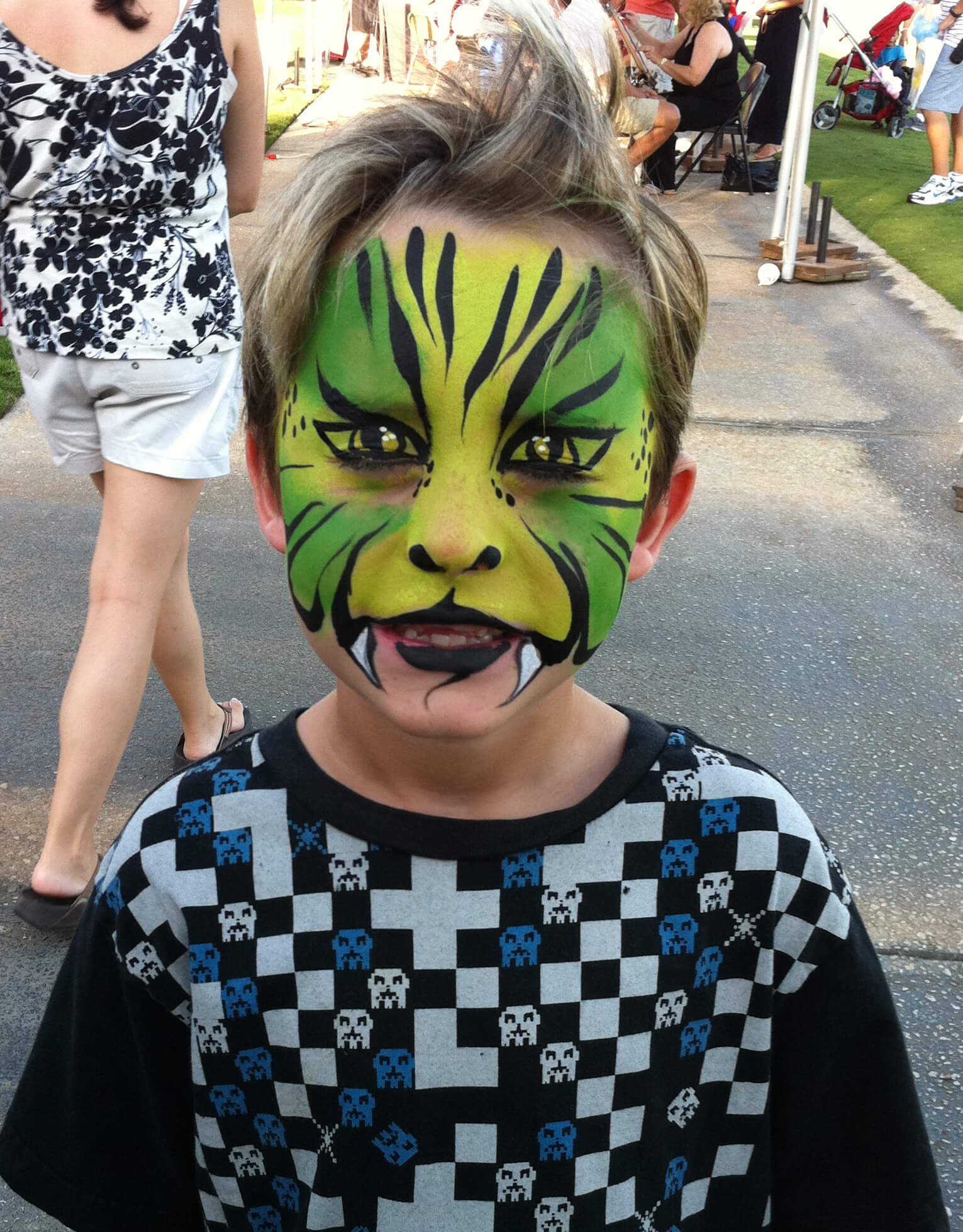 Face paint - Green Tiger - All Things Balloon, Inc.