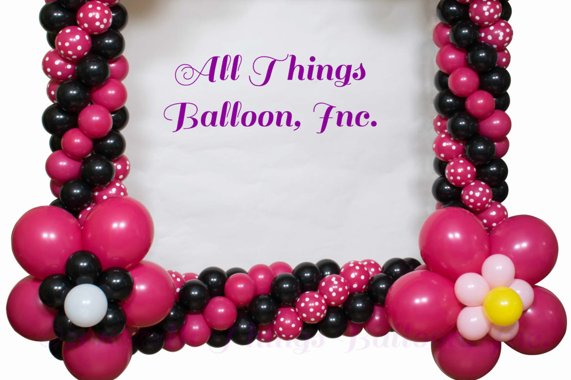 Balloon Decor: kid's birthday event; Minnie Mouse balloon photo frame