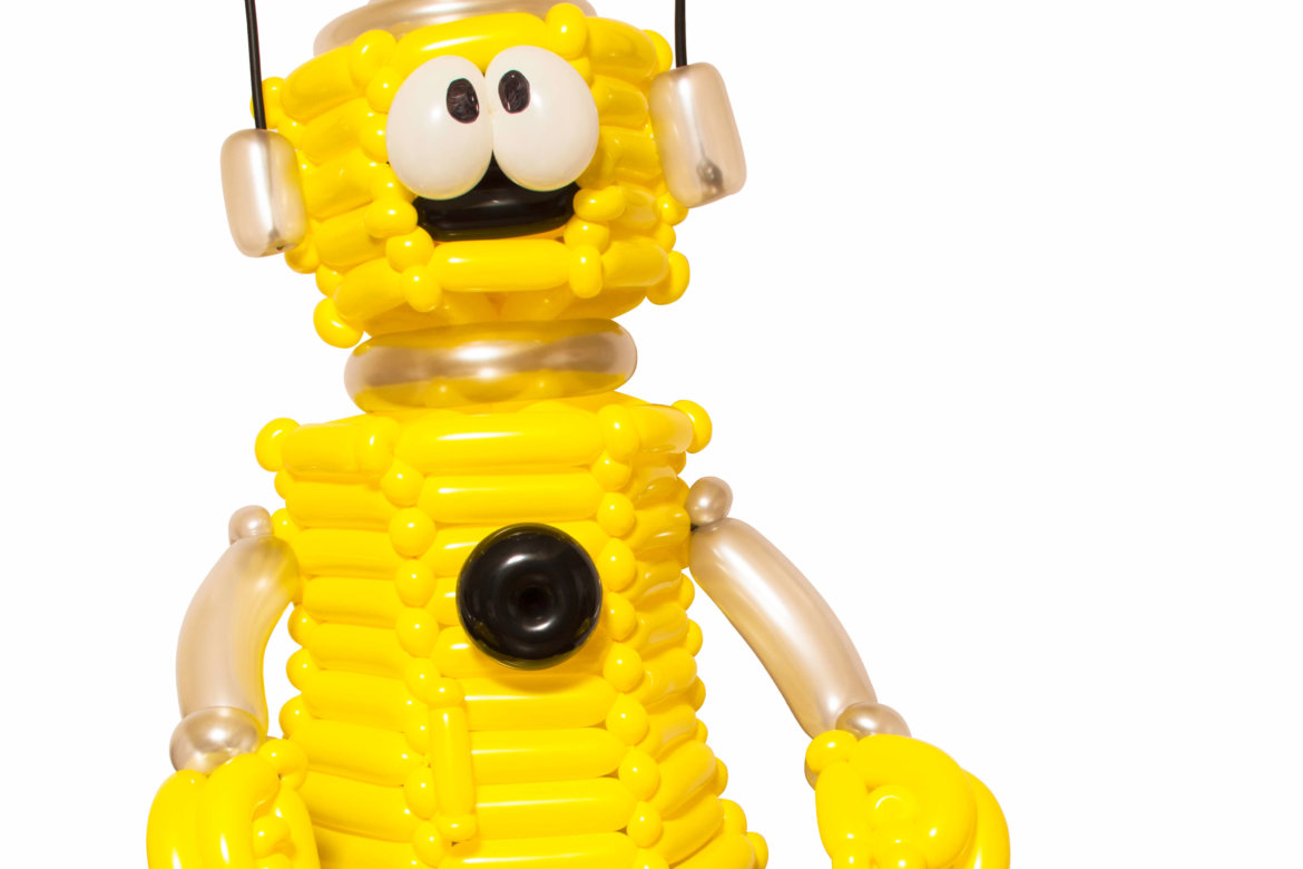 balloon artist - balloon robot character built for kid's birthday event